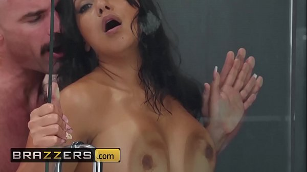 Real Wife Stories - (Rose Monroe, Charles Dera) - Sneaking and Freaking In The Shower - Brazzers