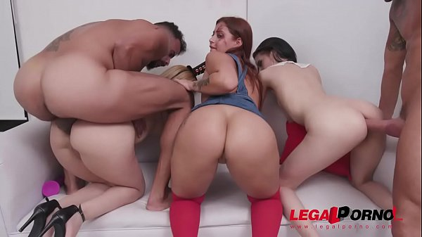 Halloween Orgy with Natasha Teen, Emily Pink & Laura Monroy (big gapes, intense anal & DP) SZ2312