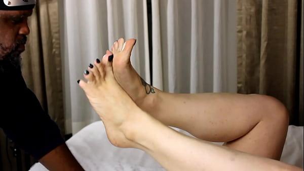 Sucking MILF toes