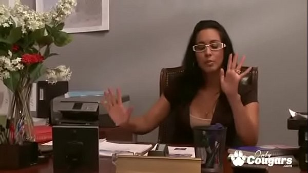 Boss Lady Isis Love Makes Her Employees Do More Than Just The TPS Reports Thumb