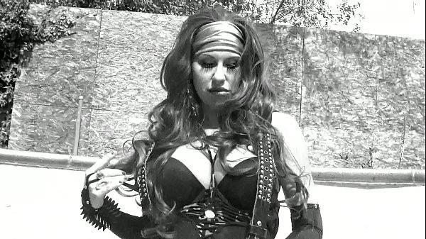 Pornstar Savana striptease, twerking. getting horny in empty