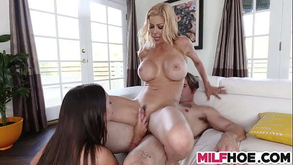 Busty Mum Teachs How To Squirt