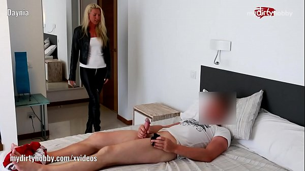My Dirty Hobby - Daynia catches him jerking off
