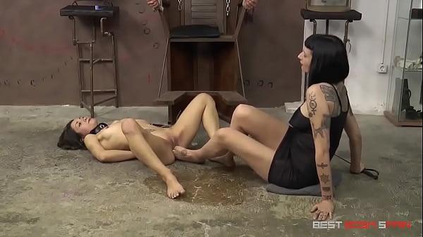 [maximodolor.com] Valentina Bianco: Foot Fetish