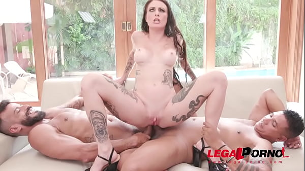 Cris Bathory rough fuck session with DP, DAP and DVP YE064 Thumb