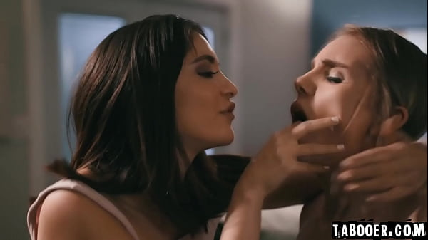 WOW! Can a scene possibly be much hotter than this!? Stalker Jane Wilde makes two scared friends Nathan Bronson and Natalie Knight to fuck! Thumb