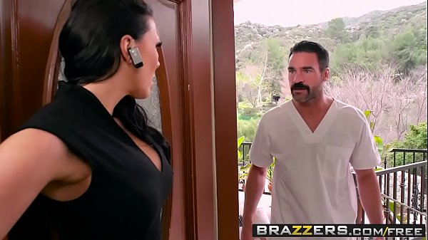Dirty Masseur - Rubbing A Cock In Her Poon scen...