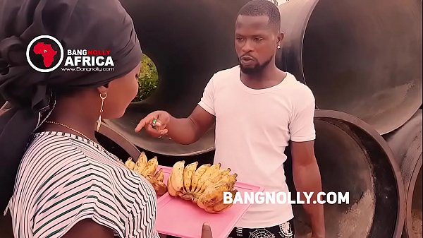 A lady who sales Banana  got  fucked by a buyer -while teaching him on how to eat the banana Thumb