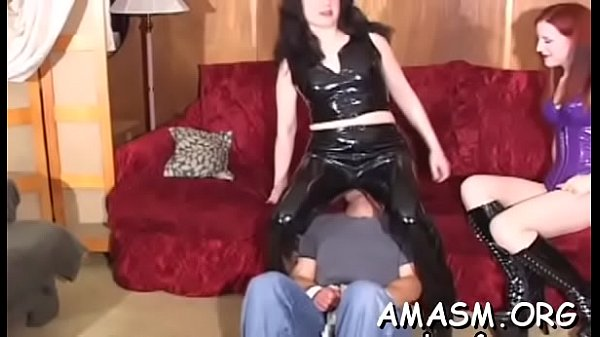 Home video with woman facesitting chap in kinky modes Thumb