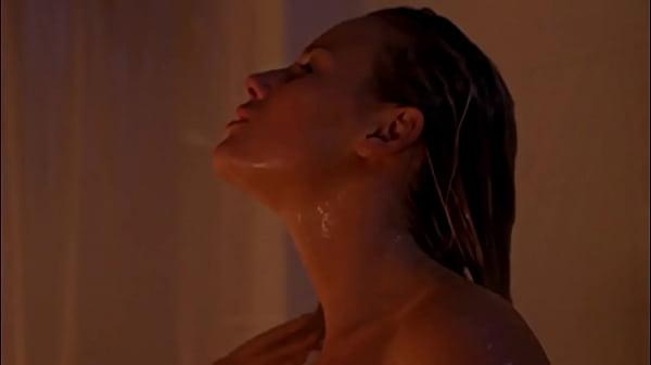 Tania Saulnier: Sexy Shower Girl (English, French, Spanish Mix) (HD)