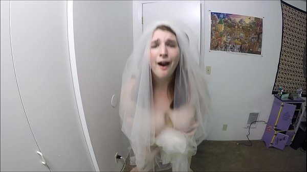 Bride Fucks Best Man Before Leaving To Her Wedding