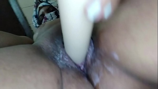 Real Hijab Muslim Arab Mom BIG DILDO Wet Pussy ...
