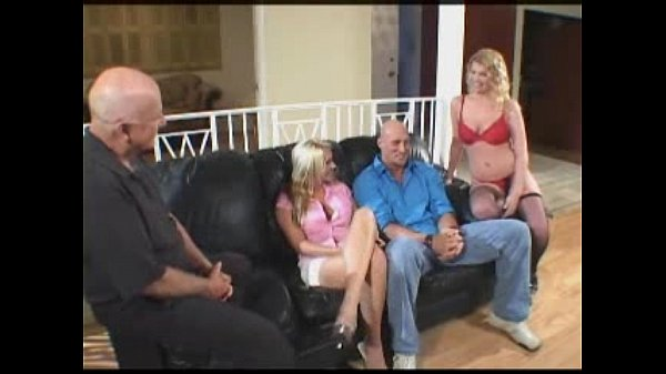 Секс жена с другой 11