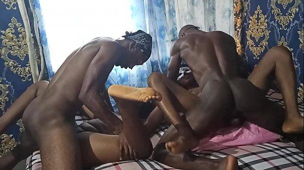 Porno scopare moglie insieme reale