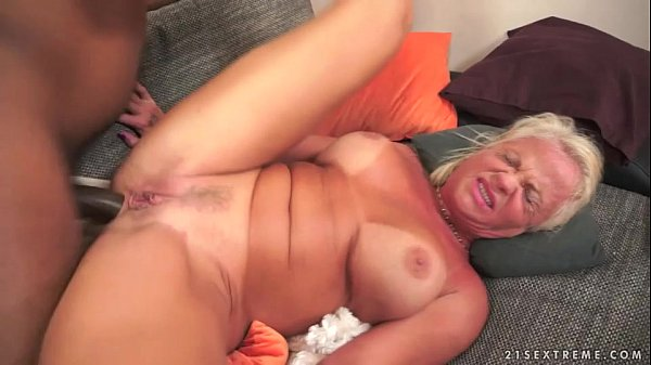 Extreme Anal Grannies - Interracial Anal Fuck with Granny Anett - XVIDEOS.COM