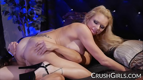 CRUSH GIRLS Big tit Briana Banks gets a good fucking