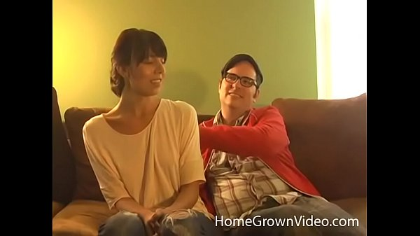 Nerdy hipster gets to fuck a skinny brunette cutie Thumb
