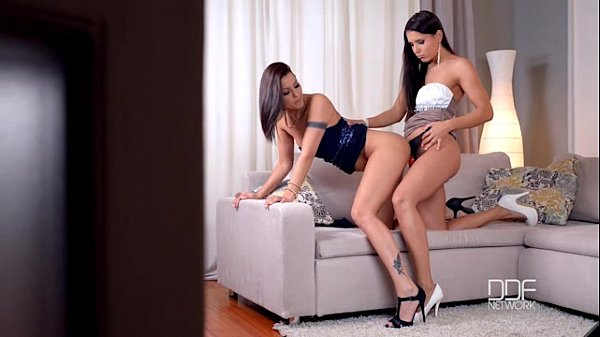 Lesbians Cindy Hope and Brandy Smile Strap-on fuck session Thumb