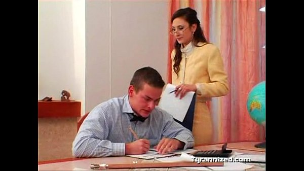 Секс фото со зрелой в офисе
