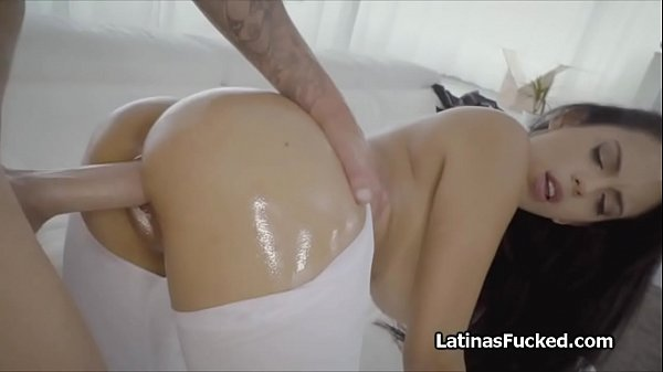 Huge tit tailoress oiled and pounded hard