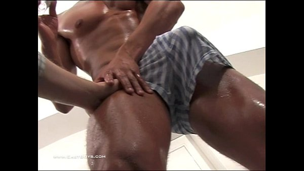 2018-11-11 17:18:12 - Ripped Czech Model Gets His Big Dick Pulled 8 min  http://www.neofic.com