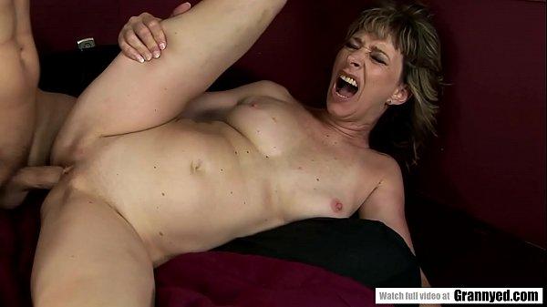 Mature lady still needs hardcore pussy fucking