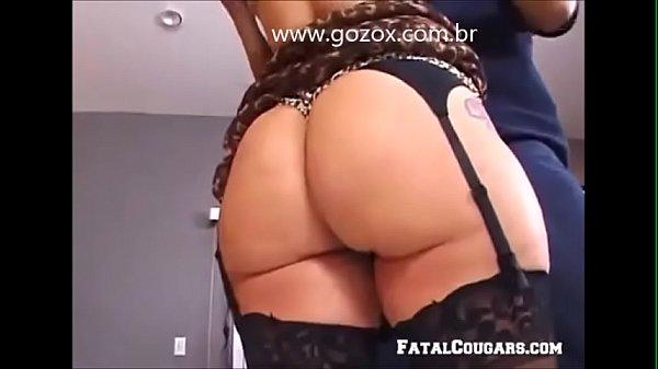 Coroa casada provocando encanador - www.gozox.com.br