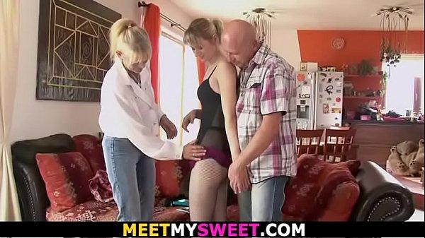 Family threesome sex
