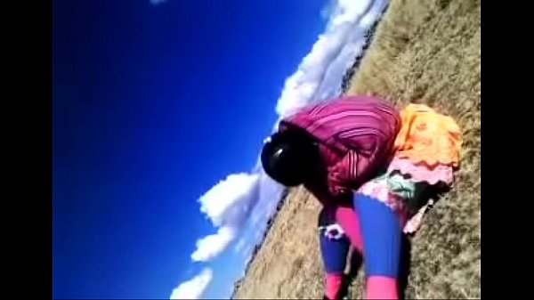 Cachando cholita en los andes del Cusco