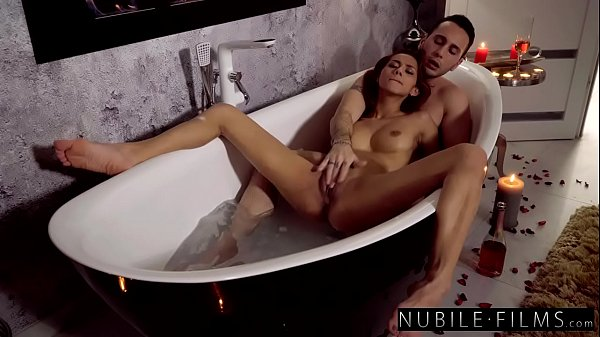 Romantic Bathtub Fuck with Petite Brunette Veronica Leal - S37:E6