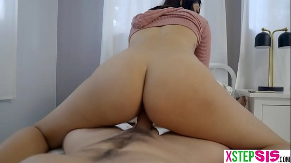 My sexy Arab stepsister Audrey Royal needed my help