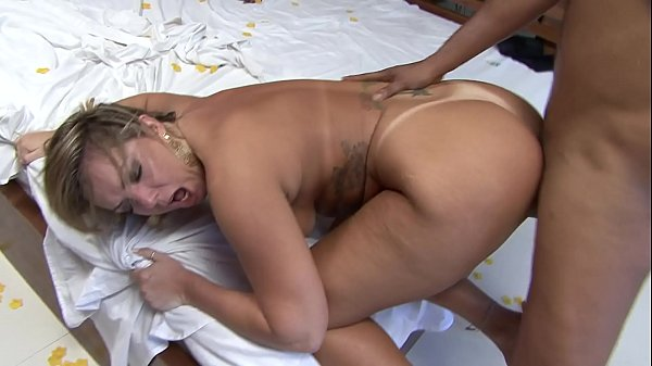Alessandra Maia takes cumshot on her ass after sucking dick and getting fuck holes banged
