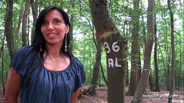 Georgous amateur exhib milf gets rendez vous in a wood before anal sex at home Thumb