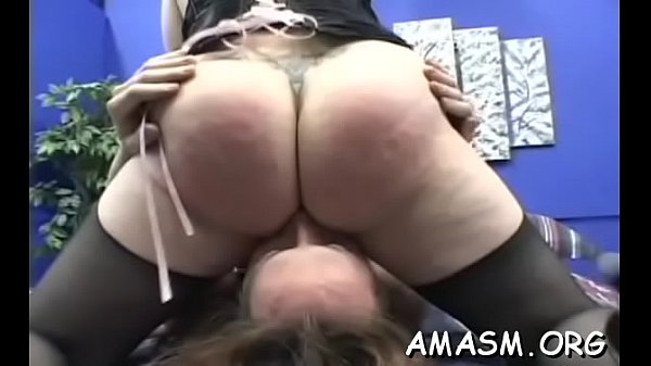 Woman smothering hubby in crazy home porn clip Thumb