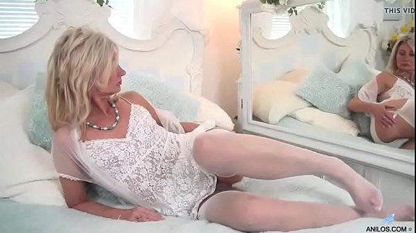 Mamma si masturba figa pelosa porno
