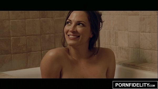 PORNFIDELITY Bath Time Fucking for Lily Love Thumb