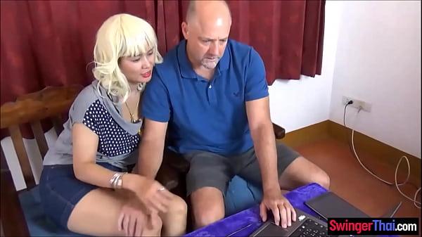 Amateur Thai swinger MILF wife fucked by a huge cock stranger Thumb