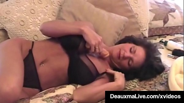 Delicious Texas Milf Deauxma Dildo Bangs Her Pussy & Asshole
