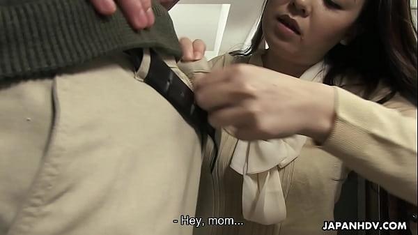 Người mẹ cô đơn và đứa con hư hỏng