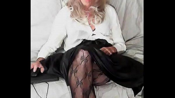 Пьяная жена раздевается видео