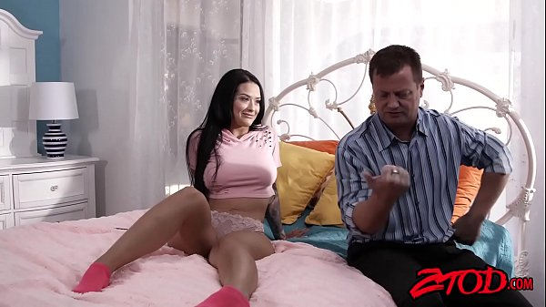 Inked succubus Katarina Jade spreading legs for big cock Thumb