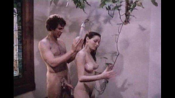 Sexy skinny rocker nude girl pussy