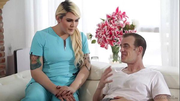 Девушка транс после операций видео