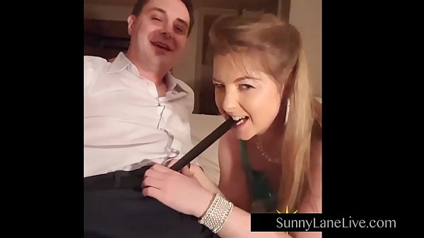 Sunny Boobs Video: Sexy Sunny Lane Sucks Off Lucky Fan!