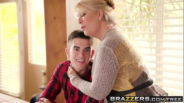 Brazzers – Mommy Got Boobs – Homemade American Tits scene starring Ariella Ferrera and Jordi El Ni&a