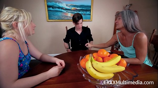 Footjob with Step Sister Kim Stroker and Leilan...