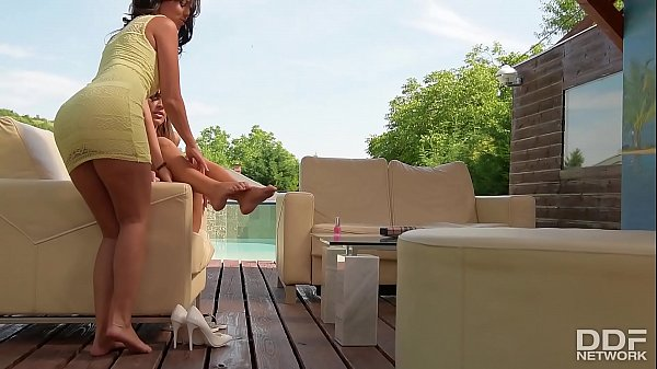 Super Hot Foot Fetish Lesbians Athina & Vicky Love Fuck Outdoors
