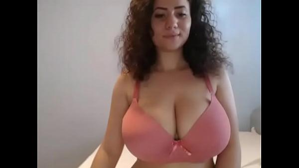 Hot girlfriend showed huge tits and nice ass