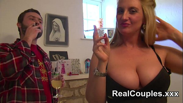 Anal loving busty British housewife Thumb