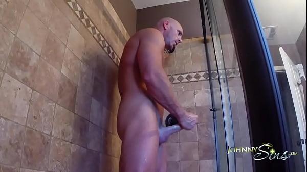 Shower solo [JohnnySins, 2014]